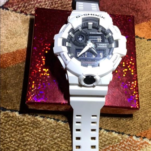 lowest price 1209c 6da4c Casio G-SHOCK 5522 solid white